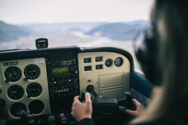 handle the plane